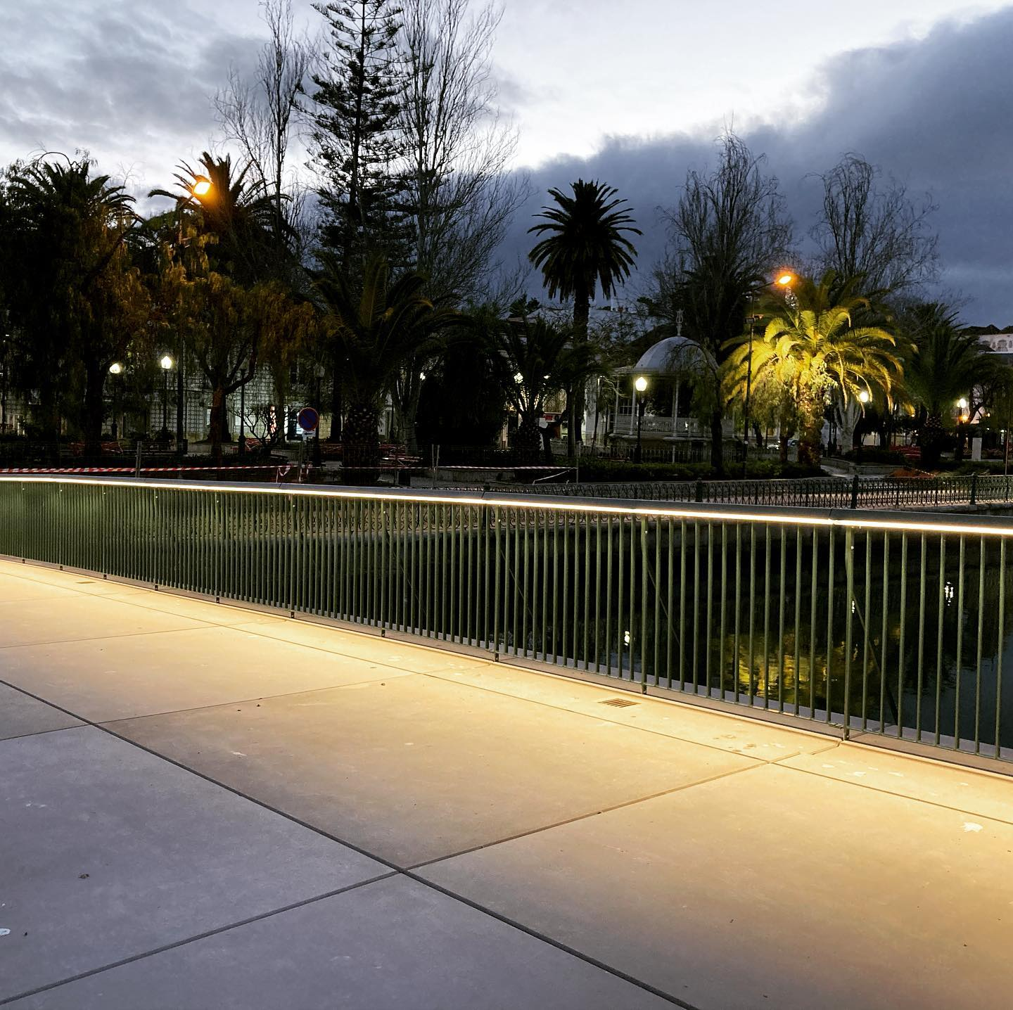 Works nearing completion in Tavira. A new bridge designed by @appletondomingos for the people and bikes of this beautiful city in the south of Portugal. Lighting Design by Filamento #lightingdesign #womeninlightingdesign #womeninlightingportugal #publicspacedesign