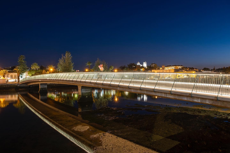Ponte de Tavira designed by @appletondomingos . #lightingdesign by Filamento . Photo by Pedro Ferreira
